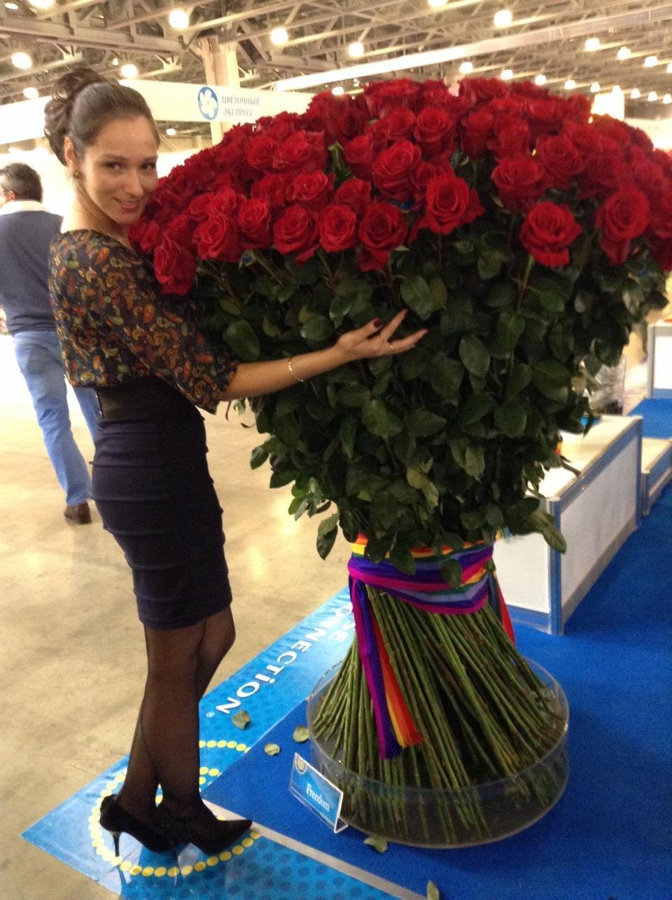 еще картинка сто рублей и одна роза тут